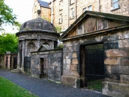 MacKenzie Mausoleum, Kirkfriar's graveyard, MazKenzie poltergeist, ghost tour in Edinburgh