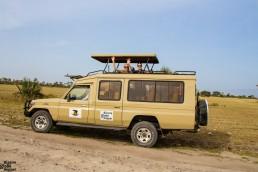 Niina and Piritta in the safari jeep in Tanzania