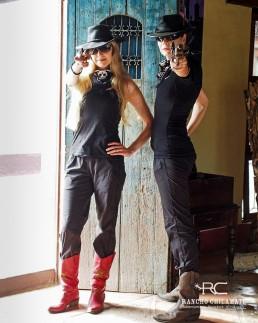 Piritta and Niina posing at Rancho Chilamate, Nicaragua