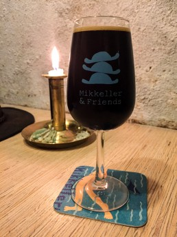 Sampling Christmas Brews at Mikkeller & Friends – my favorite brewery pub in Copenhagen!